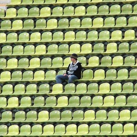 Stadium 165406 1280%e3%81%ae%e3%82%b3%e3%83%92%e3%82%9a%e3%83%bc min
